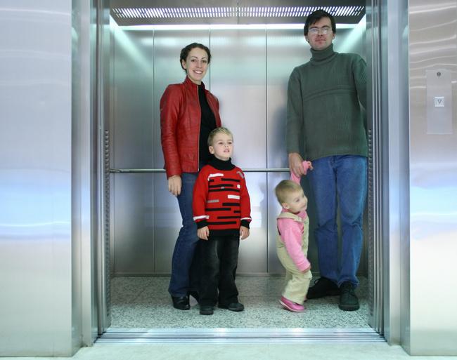 лифт на этаже